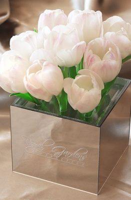 Bijeli tulipani u lux mirror box-u - 9 cvjetova